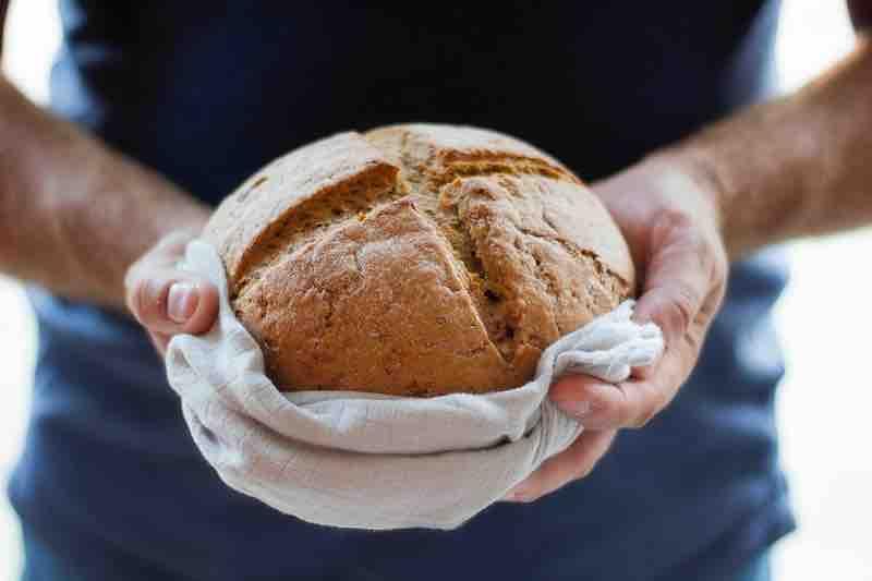 Une libellule, de l'achat local et une fête du pain!